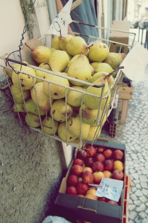 burst into pears