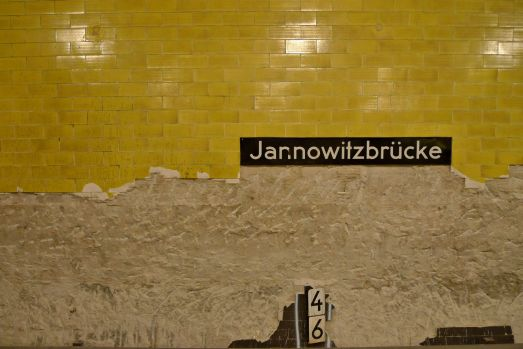 u-bahnhof jannowi... oh, of course you knew it already