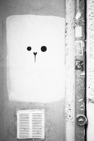 minimal street art